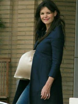 Katieholmespregnant